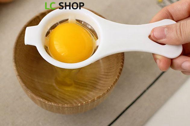 Кухонная принадлежность для отделения желтка от белка