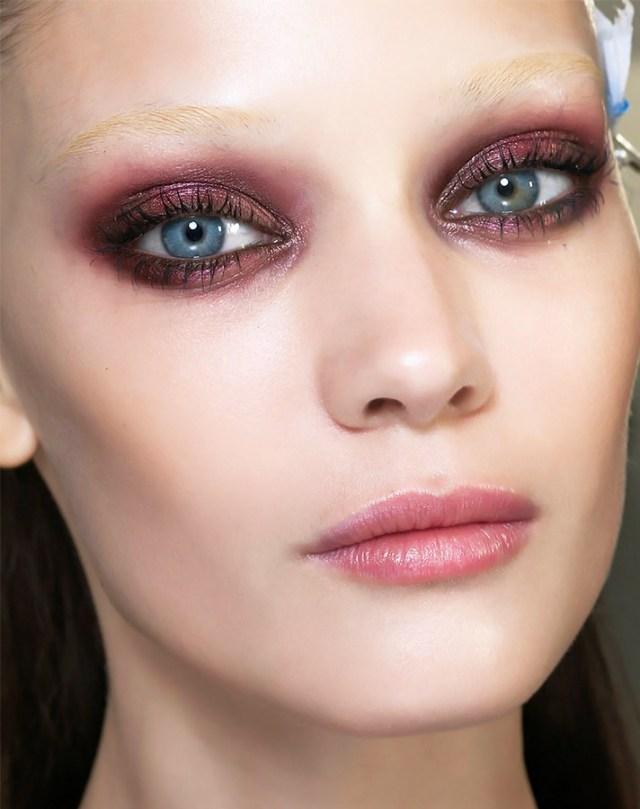 Бордовые тени для глаз – тренд сезона