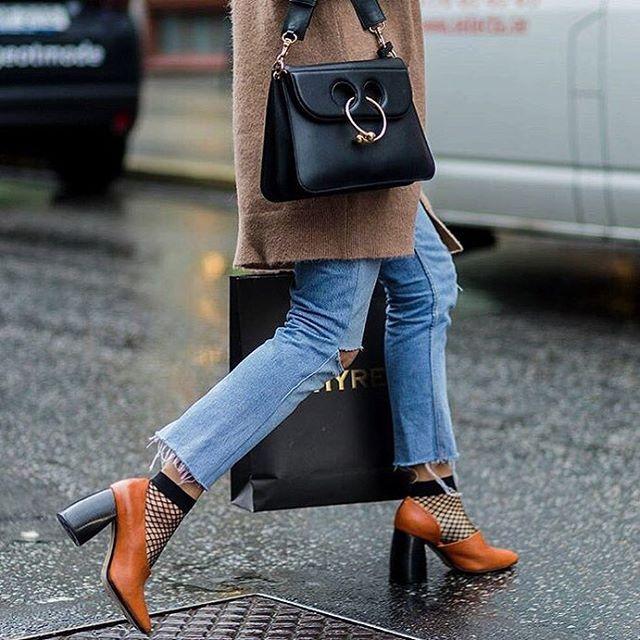 Колготки в сетку: модный тренд