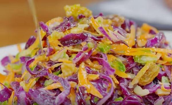Mor Lahana Salatası Nasıl Yapılır?
