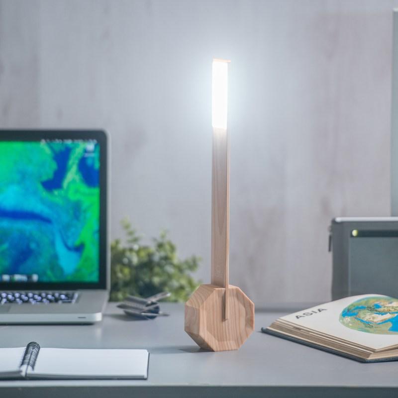 Gingko – Octagon One Desk Light/Lamp in Gift Box – Maple
