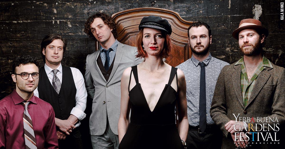 Photo of the music group Tumbledown House, by Kala Minko