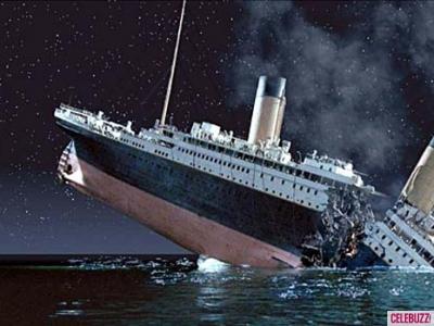 titanic-ship-sinking-after-iceberg-collision-atlantic-ocean-01142014-01-400x300
