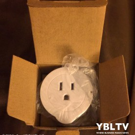 Unboxing of ETEKCITY Voltson Mini Smart Wi-Fi Outlet Switch Plug. Image Source: Kim Rose, YBLTV Photographer / Writer / Reviewer Assistant.
