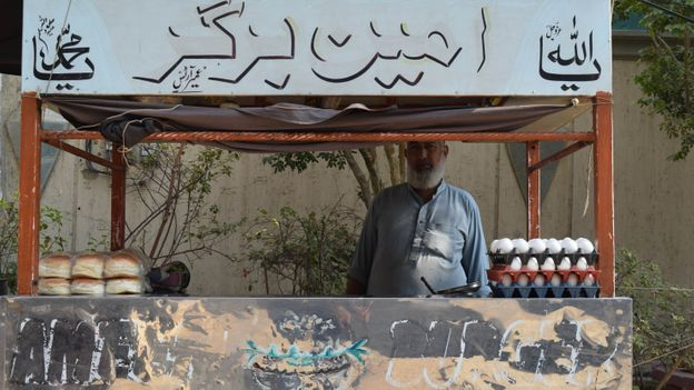 Abdul Ameen has been making and selling bun-kebabs in Karachi for 30 years (Credit: Credit: Saqib Rafique)