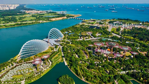 Singapore is known for its impeccable cleanliness and pristine public image (Credit: Credit: Tuul & Bruno Morandi/Getty Images)
