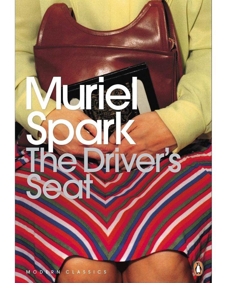 Muriel Spark'ın kurgusunun çoğu kara esprili, örneğin The Driver's Seat adlı romanı (Kredi: Penguin)