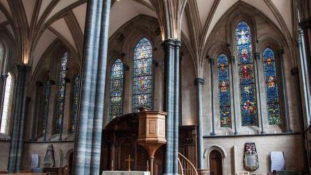Depois que sua popularidade atingiu o pico logo após o Código Da Vinci, a Temple Church hoje está pacífica mais uma vez (Crédito: Amanda Ruggeri)