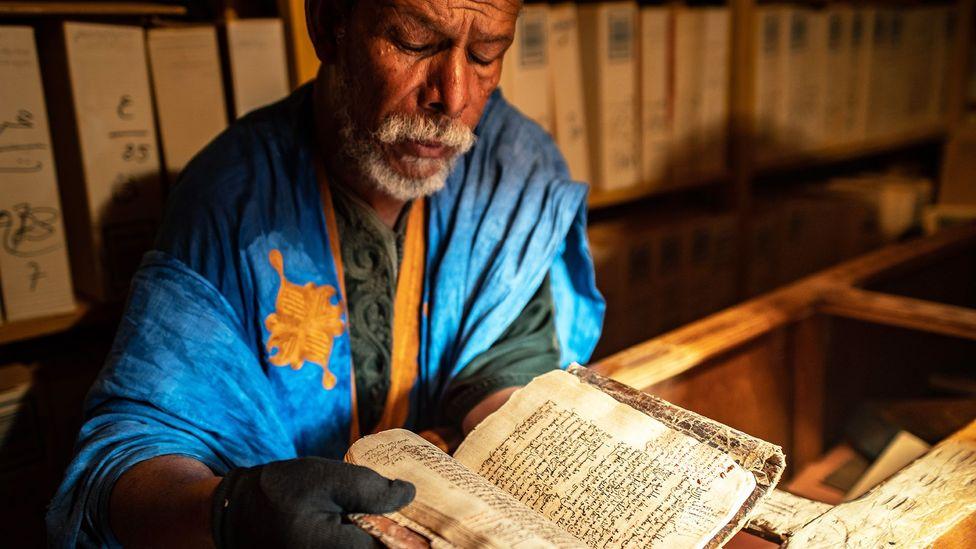 Des livres du Sahara ont fait leur chemin dans les bibliothèques à l'époque du commerce transsaharien (Crédit: Juan Martinez)