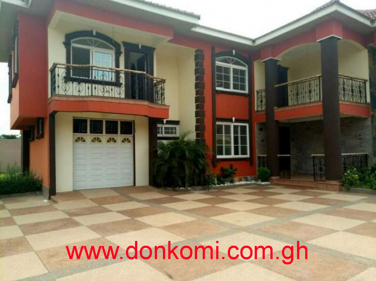 FOR SALE: 4 Bedrooms House with Out House in TRASSACO EST - EAST LEGON