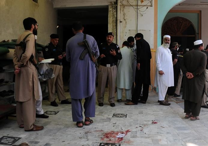 Attack in northwest Pakistan, killing 4 and injuring 2
