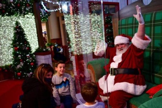 "WHO: Santa Claus can still distribute gifts ""immunized against the novel coronavirus"""