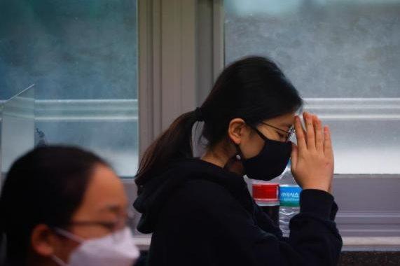 "Seoul, South Korea imposes a ""quasi-curfew"" to restrict night travel"