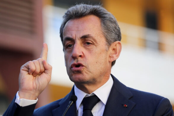 Former French President Sarkozy added another case and was investigated by the prosecution for suspected power for personal gain.