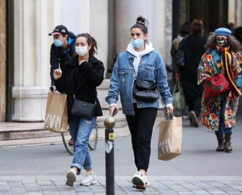 France's severe number of COVID-19 patients continues to increase, and the country begins to implement the third round of bans.