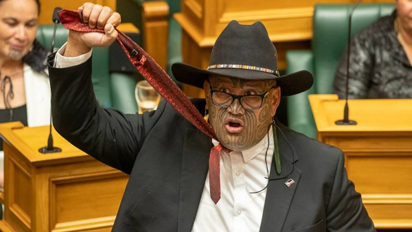 New Zealand Maori MP was expelled from Parliament for not complying with Western Dressing Law