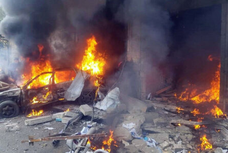 Two car bomb attacks in northern Syria caused many casualties.