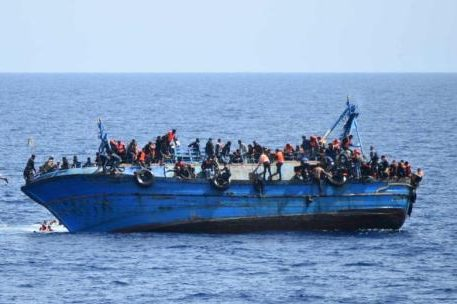 Hundreds of refugees landed in Italy in two days, including large numbers of women and children