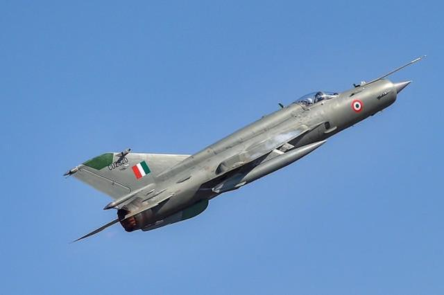Another MiG-21 aircraft of the Indian Air Force crashed, and a U.S.-made helicopter crashed the same day