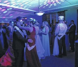 prom dance with king and queen