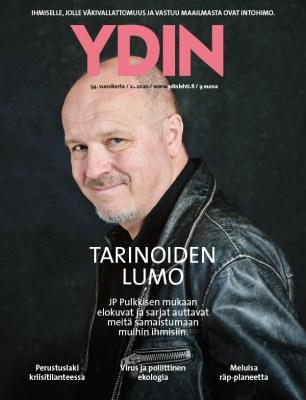 Lehden kannessa JP Pulkkinen katsomassa kameraan.