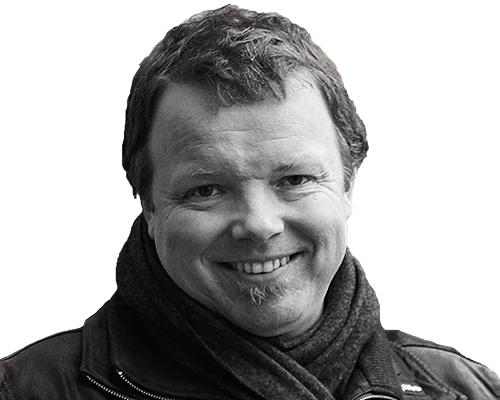 Mustavalkoinen kuva Mikael Suomelasta