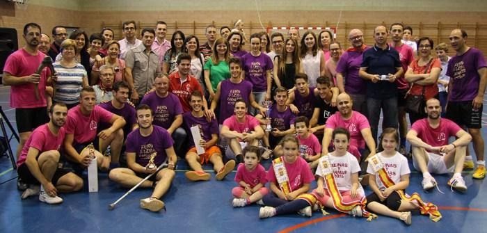 Foto de familia con las dos Peñas finalistas, El Púe y Los Zagalicos / Á. Ayala