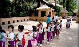 ماليزيا تقرر إعادة فتح مدارسها وفق ضوابط مشددة بدءاً من 15 يوليو الجاري