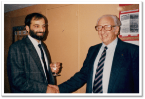 Yehezkel Ben-Ari et Alexandre Minkowski, son prédécesseur à la direction de l'unité U29 « Neurobiologie et physiopathologie du développement » localisée à l'hôpital Cochin-Port Royal