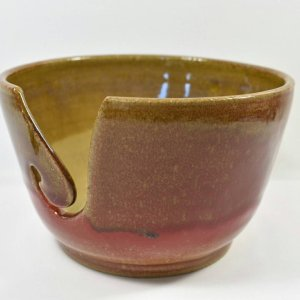 knitting bowl in Brown and Red