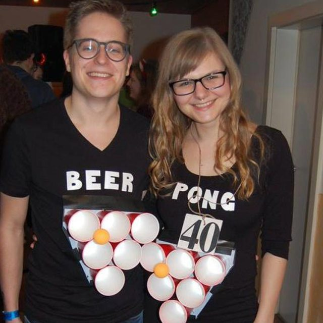 https://i2.wp.com/yellowgirl.at/wp-content/uploads/2017/02/yellowgirl_DIY-Couple-Beer-Pong-Costume_10.jpg?resize=640%2C640&ssl=1