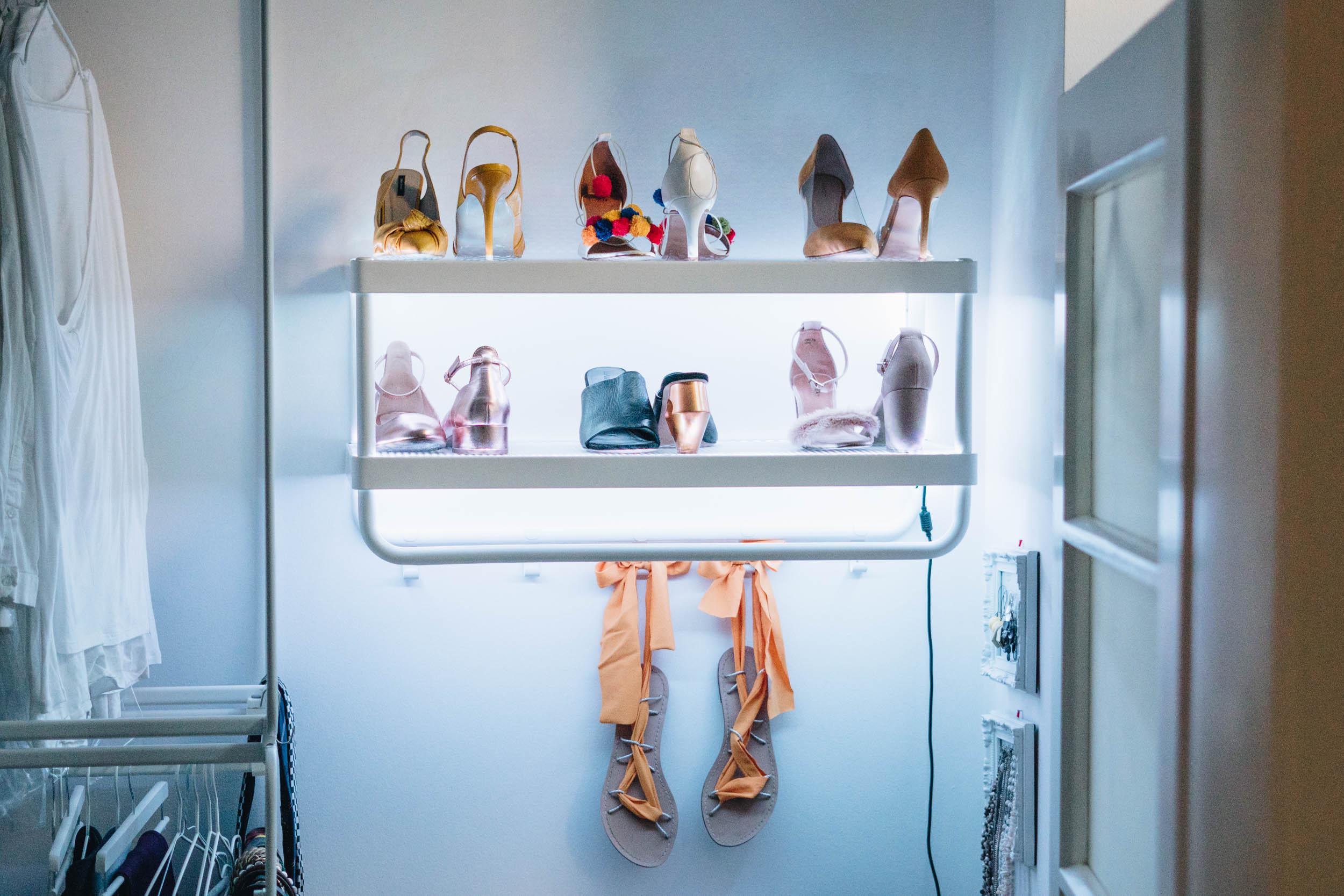 DIY LED Schuhregal an der Wand* das DIY Lifestyle Magazin