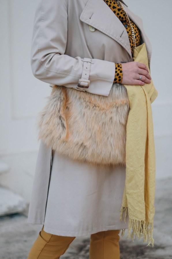 yellowgirl_Herbst-outfit-Animalprint-trenchcoat und Kaschmir haube von MOGLI & MARTINI (11 von 16)