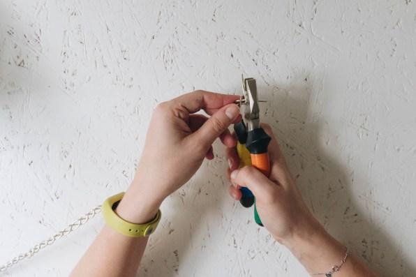 yellowgirl_Minimalistische DIY Valentinstags-Serviettenringe mit Stoffblumen (6 von 26)