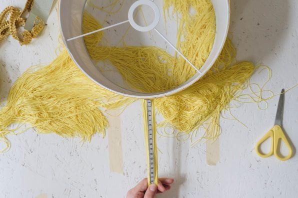 yellowgirl_DIY Fransen Lampenschirm (12 von 14)