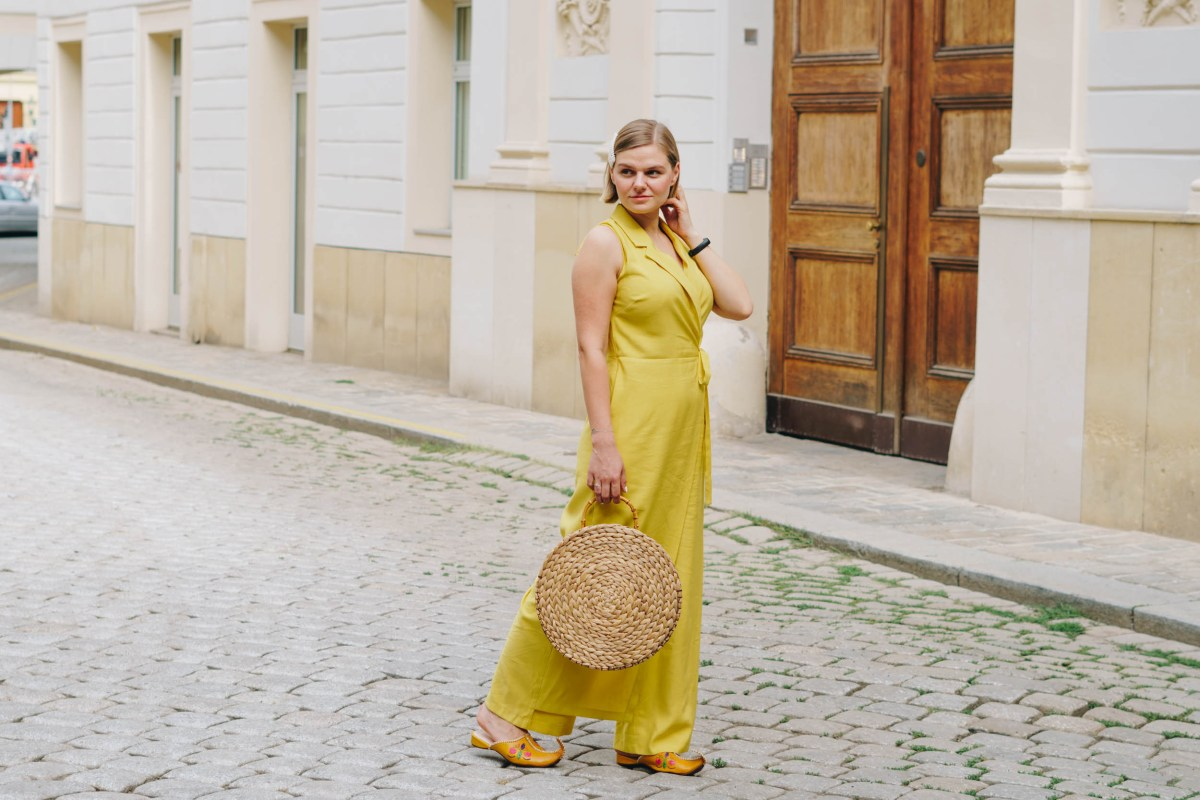 https://i2.wp.com/yellowgirl.at/wp-content/uploads/2019/08/yellowgirl-Sommertrend-jumpsuit-3-von-9.jpg?fit=1200%2C801&ssl=1