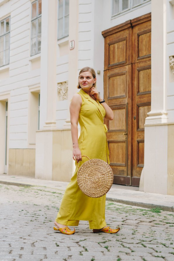 yellowgirl-Sommertrend- jumpsuit (4 von 9)