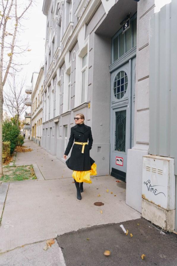 yellowgirl-Herbsttrend- Faltenrock und kuscheliger Mantel (2 von 9)