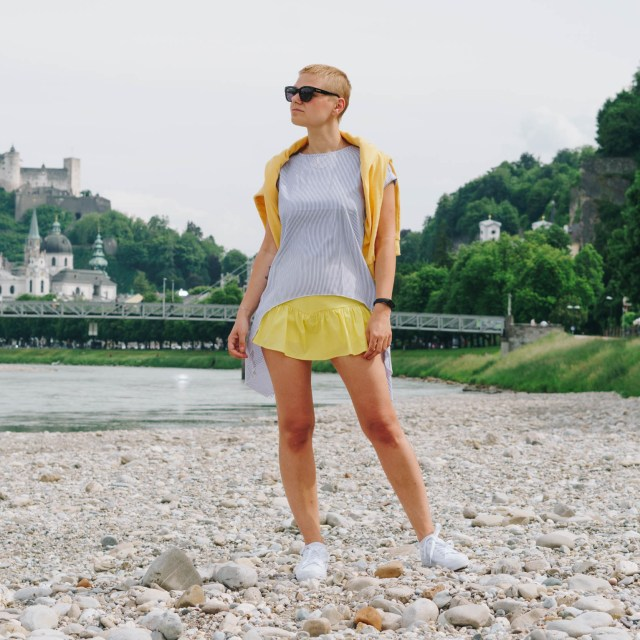 https://i2.wp.com/yellowgirl.at/wp-content/uploads/2020/07/yellowgirl-Bunte-Blusen-So-stylst-du-sie-im-Sommer-4-von-8.jpg?resize=640%2C640&ssl=1