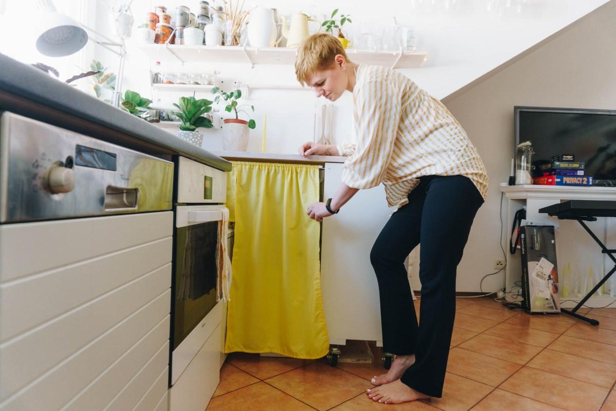 https://i2.wp.com/yellowgirl.at/wp-content/uploads/2021/03/yellowgirl-Dachschrägen-nutzen-DIY-Vorhänge-anstatt-Türen-9-von-9.jpg?fit=1200%2C801&ssl=1