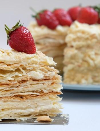 разрез торта наполеон