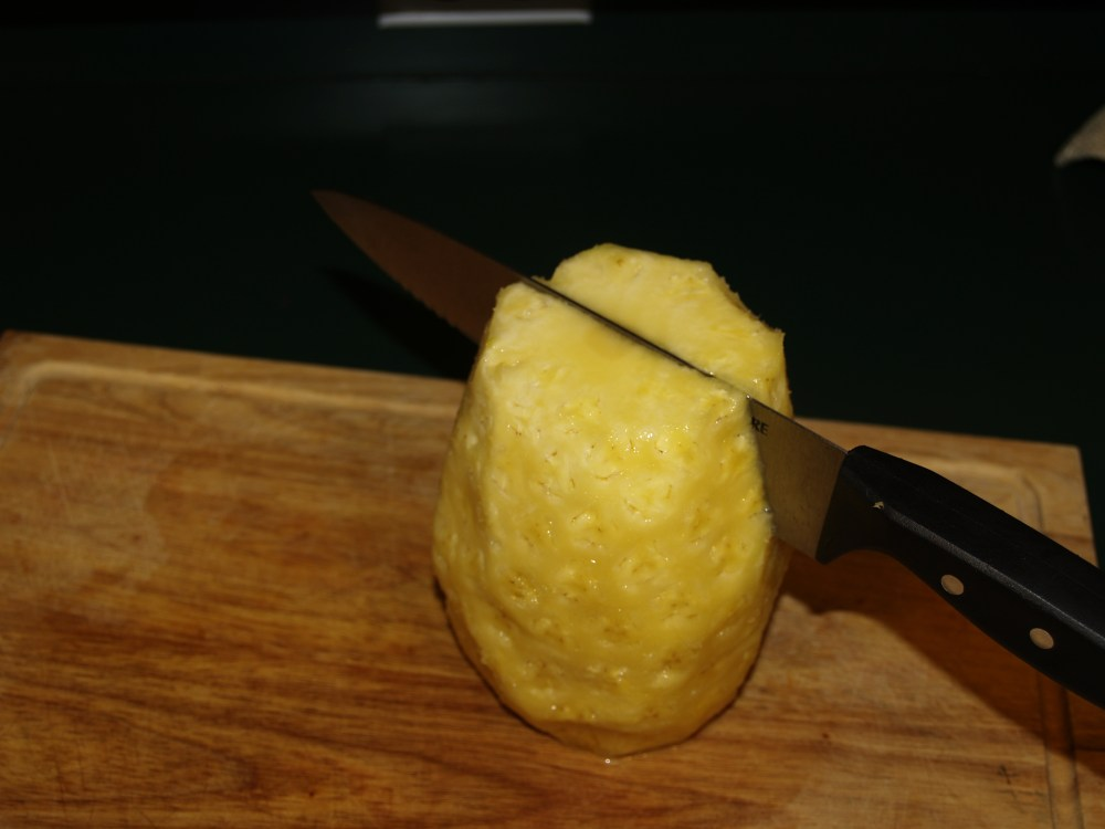 Cutting and Dehydrating Fresh Pineapple (6/6)