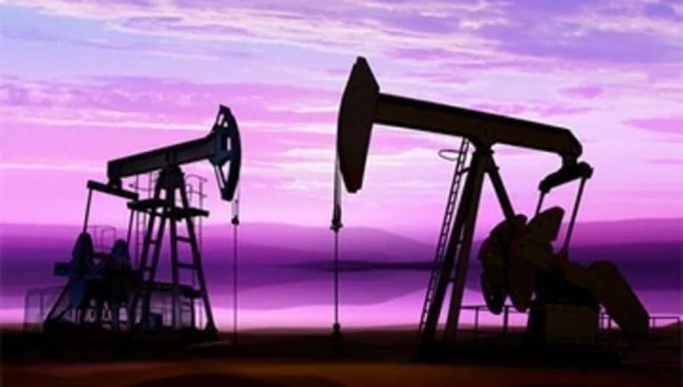 بسبب المخزون الكبير الارتفاع أسعار النفط ترتفع بحدود
