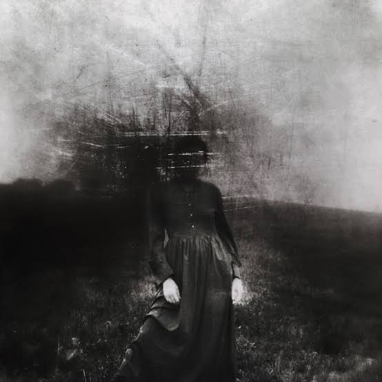 Black-and-white-photo-of-a-woman