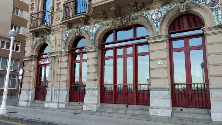 Coctelería Varsovia de Gijón