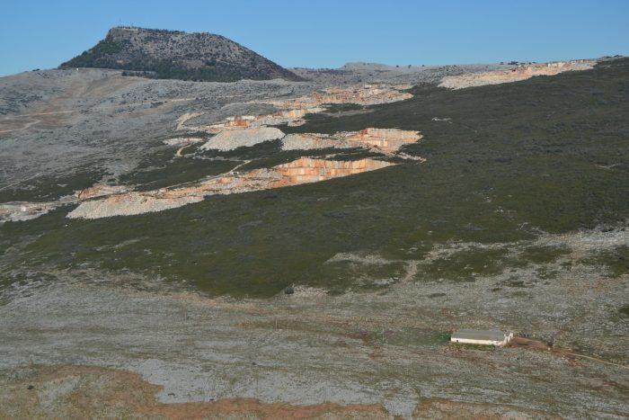 Pico Sierra y el Lapiaz de los Lanchares