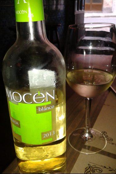Vino blanco Mocen