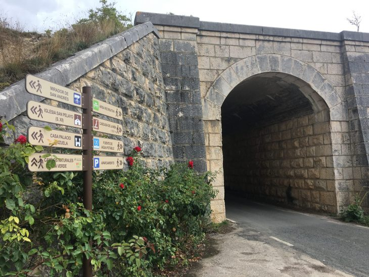 Túnel de La Bárcena de Puentedey