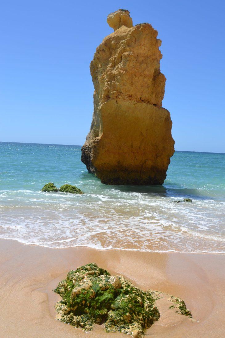 Formacion rocosa en Praia da Marinha