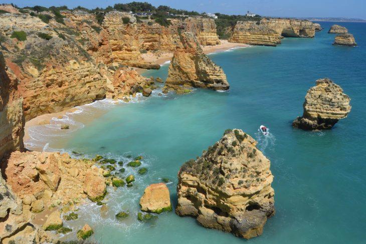 Ruta por la costa del Algarve desde Praia Marinha